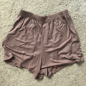 Pants - Mauve flowy shorts